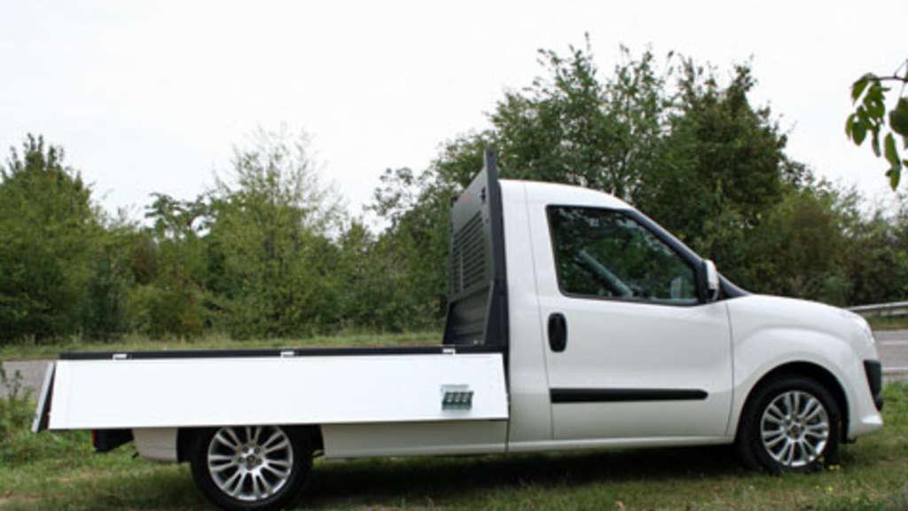fiat dobl cargo work up pritschenwagen ab werk auto. Black Bedroom Furniture Sets. Home Design Ideas
