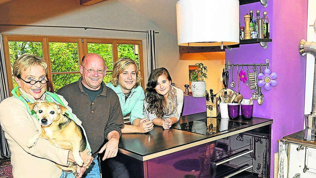 rtl ii vierk pfige familie aus fischbachau zuhause im gl ck bayern. Black Bedroom Furniture Sets. Home Design Ideas
