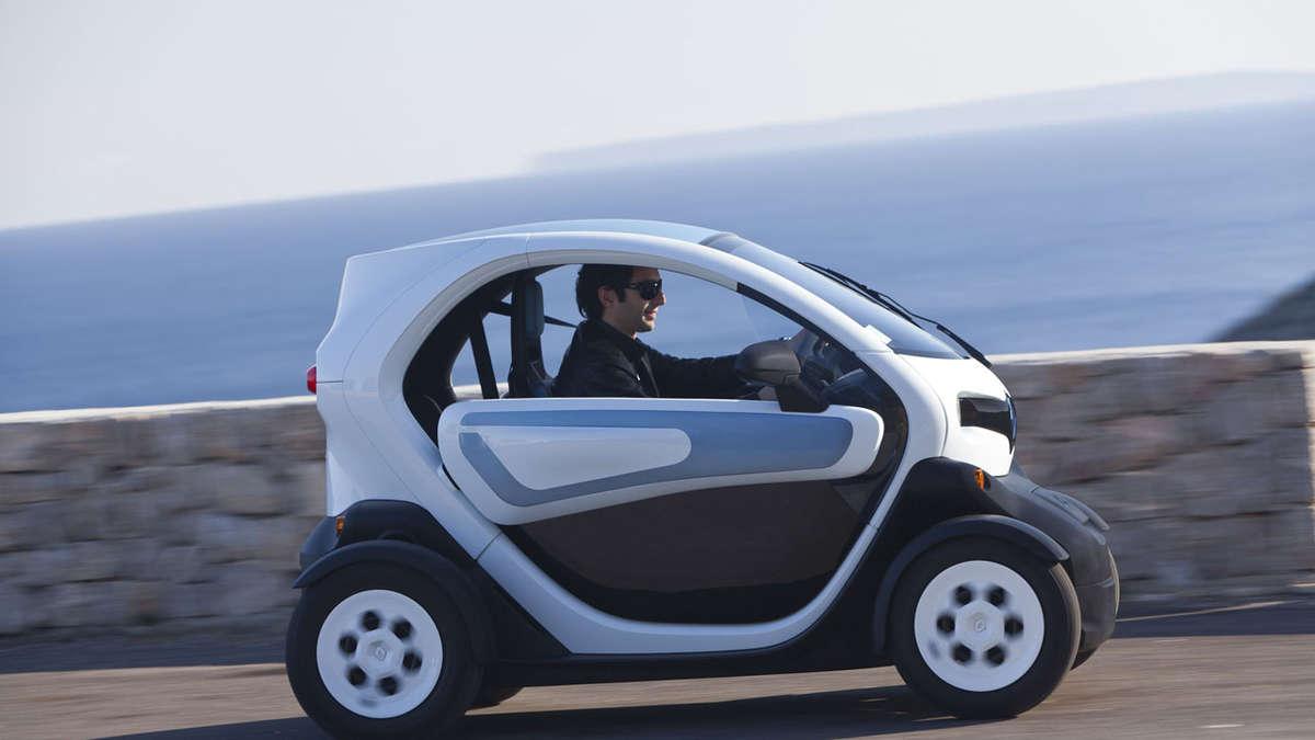 der neue renault twizy elektro zweisitzer f r die stadt auto. Black Bedroom Furniture Sets. Home Design Ideas