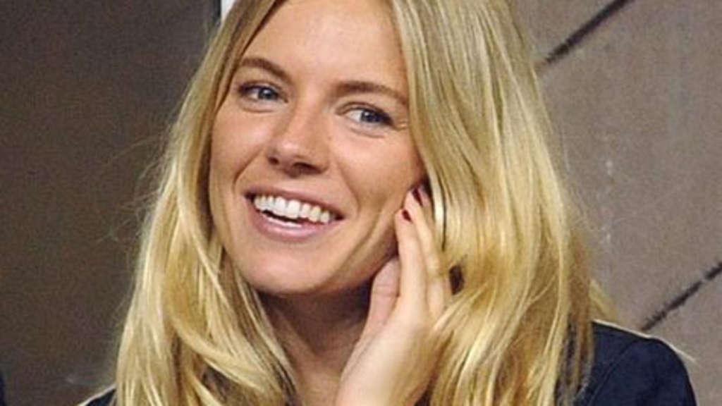 Sienna Miller Ketchup Gegen Grünstich Im Haar Nach Henna Stars