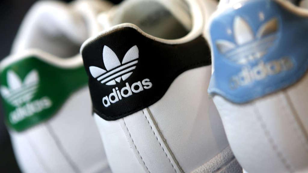Wegen Vorwurf Sklaven AdidasRassismus AdidasRassismus SchuhWirtschaft Vorwurf Vorwurf Wegen SchuhWirtschaft AdidasRassismus Sklaven 80OkwPXn