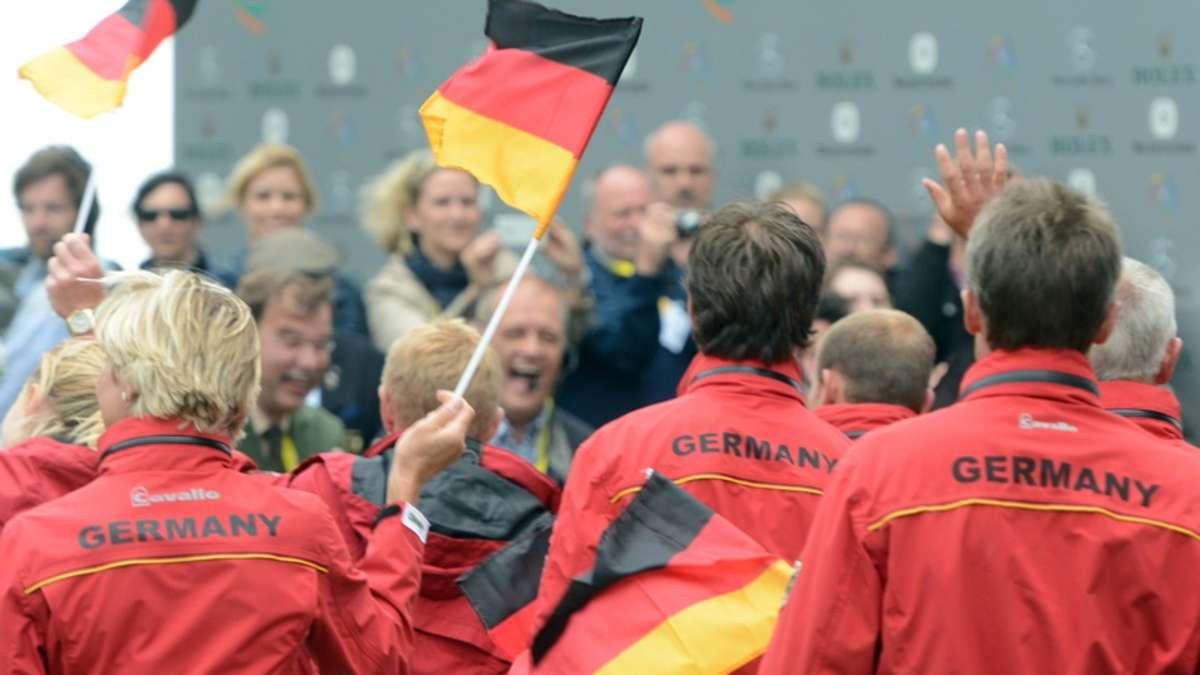 wer tr gt die deutsche fahne bei der er ffnungsfeier olympia. Black Bedroom Furniture Sets. Home Design Ideas
