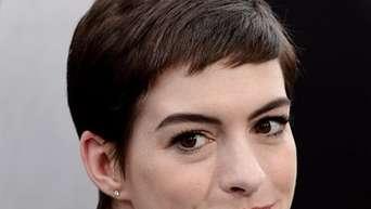 Anne Hathaway Will Kurze Haare Behalten Stars
