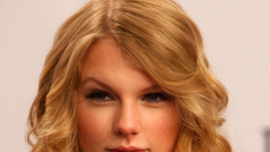 Taylor Swift und das Kleider-Problem | Stars