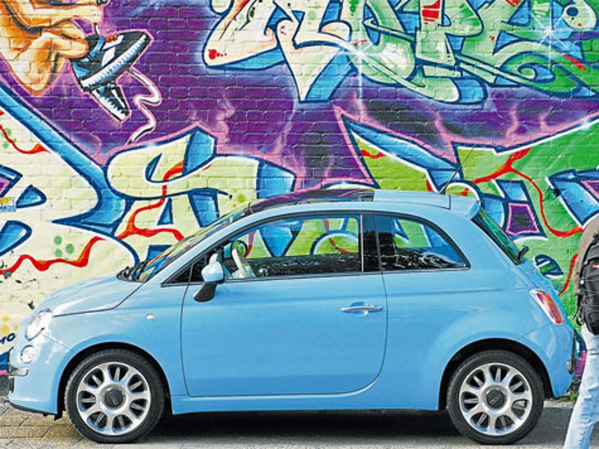 Fiat 500 Design für einen Kühlschrank | Auto