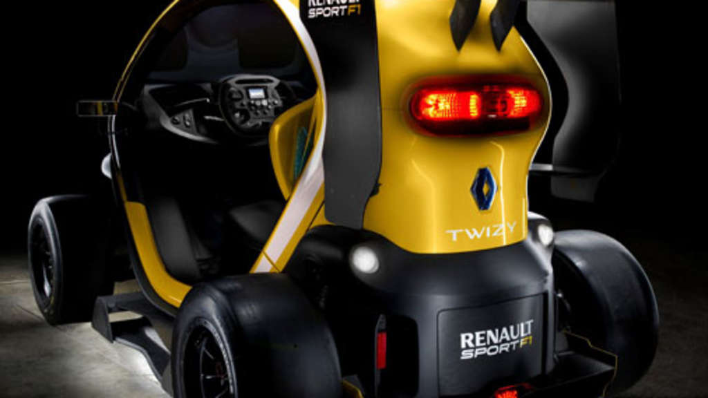 renault twizy sport f1 spoiler slicks und dem boost system kers auto. Black Bedroom Furniture Sets. Home Design Ideas