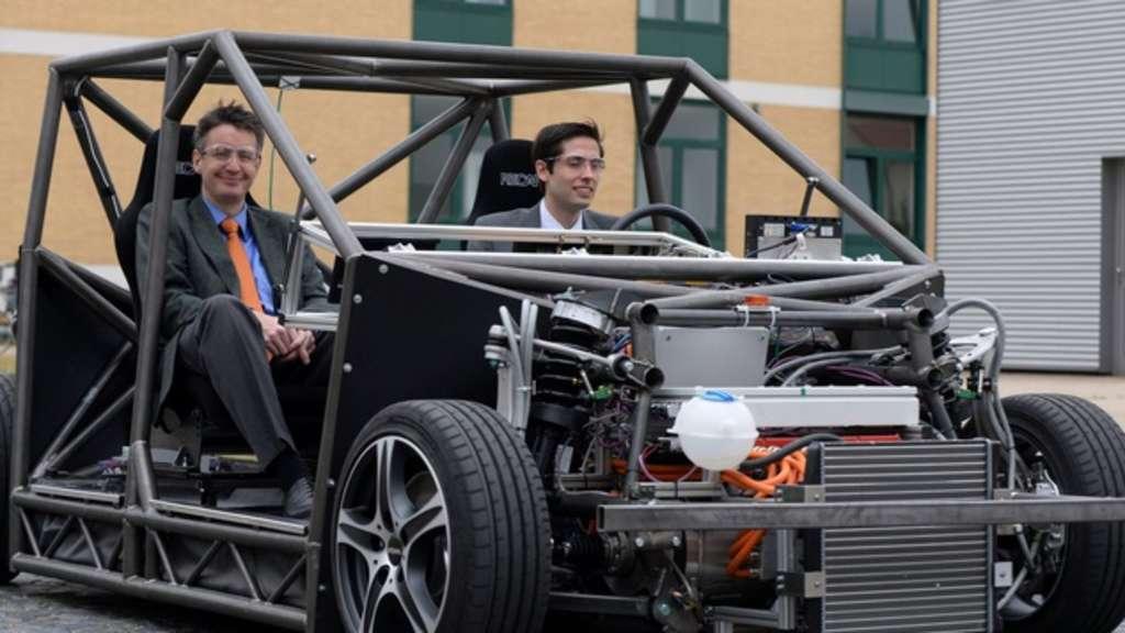 E auto mobile mit 600 ps beschleunigt in vier sekunden for Mobel in braunschweig