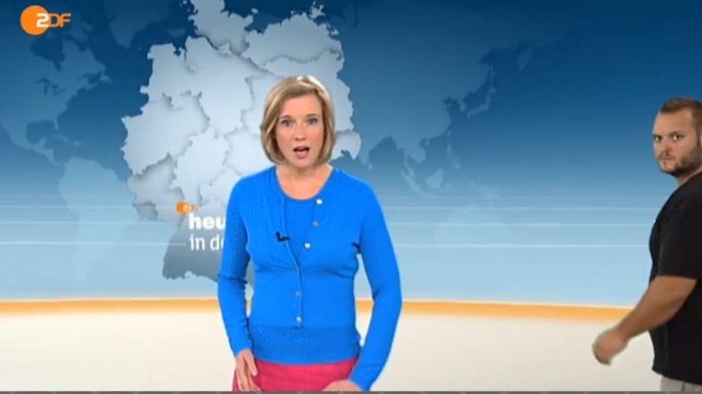 Zdf heute in deutschland mann im bild von moderatorin yve fehring tv for Zdf heute moderatorin