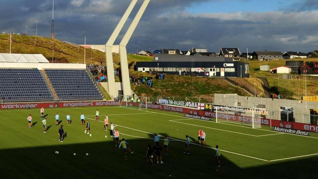 Fussball Wm Qualifikation Auf Den Faroern Spannung Faringern