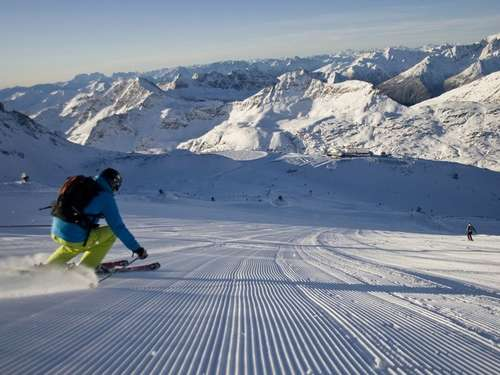 Start in die Skisaison! Gletscher-Openings und Festivals
