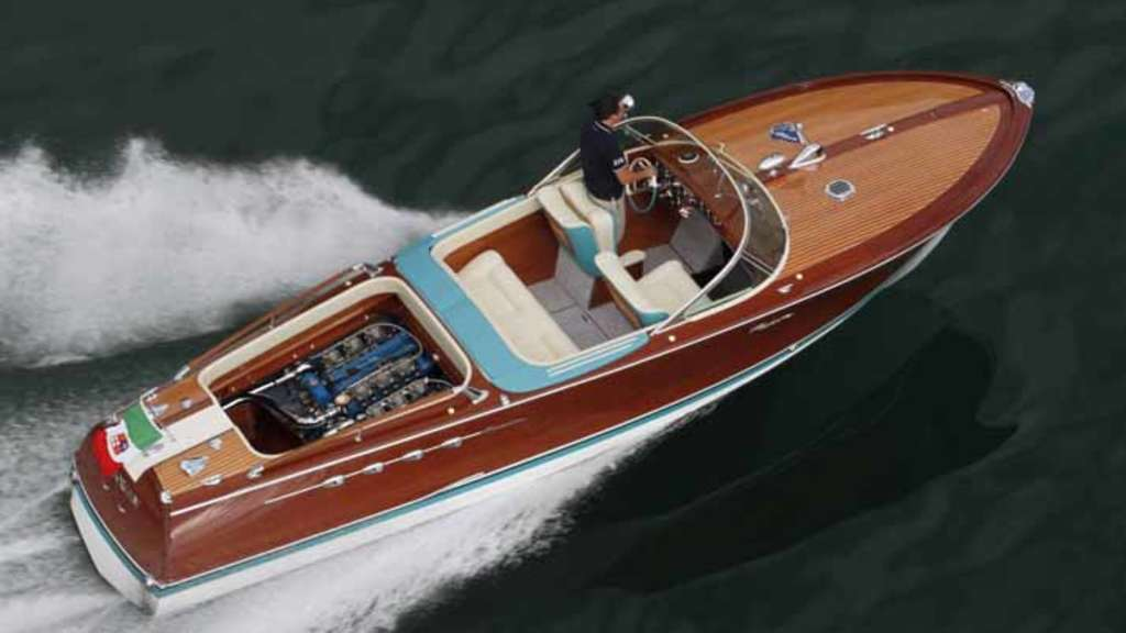 riva aquarama lamborghini legend res motorboot aus den 60ern auto. Black Bedroom Furniture Sets. Home Design Ideas