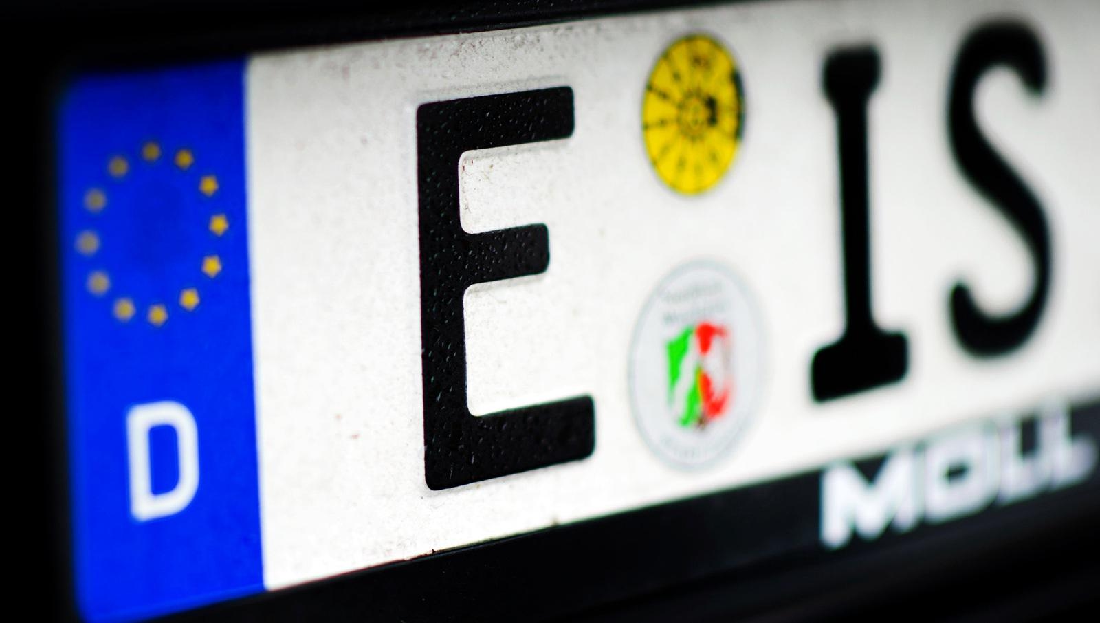 Kfz-Kennzeichen machen Autofahrer glücklich? | Auto