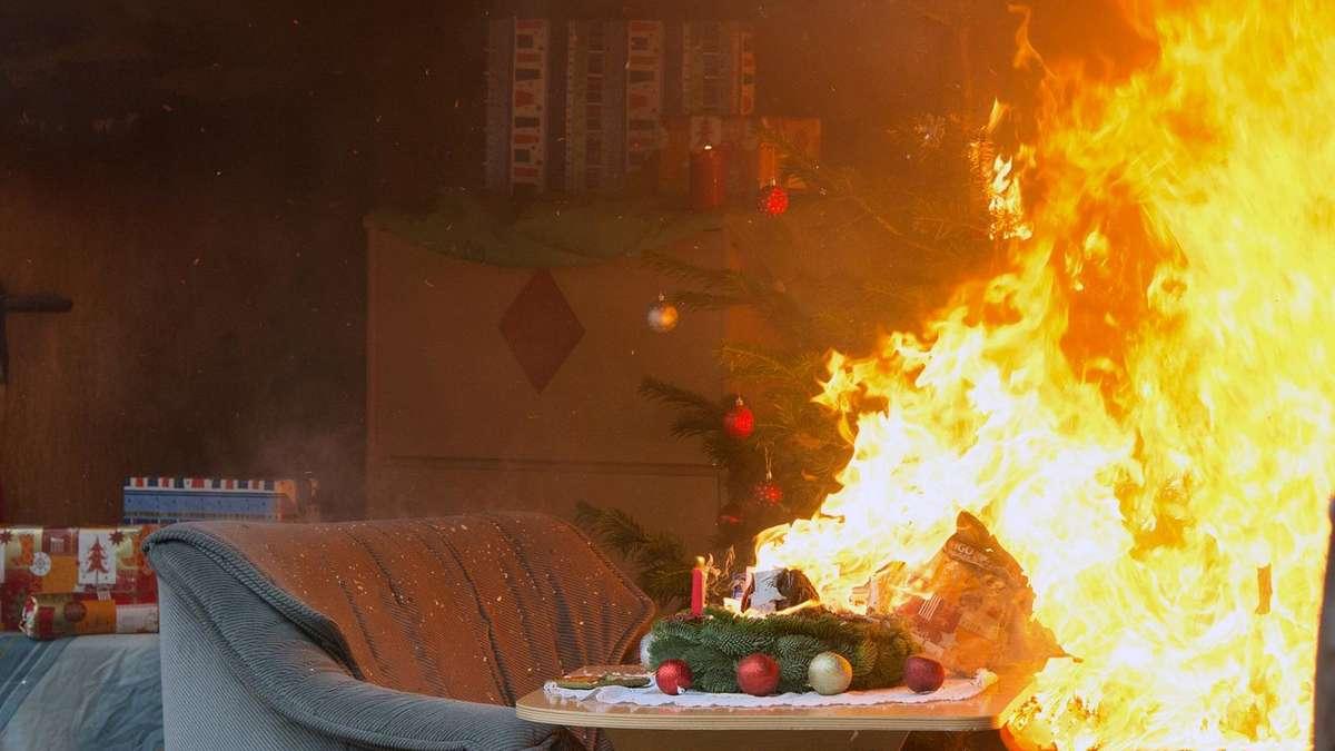 aubing weihnachtsbaum verbrennt explosionsartig aubing. Black Bedroom Furniture Sets. Home Design Ideas