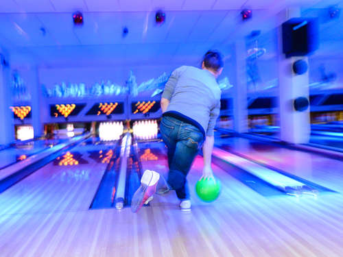 Nightlife goes Bowling: Statt Party rollt der Ball