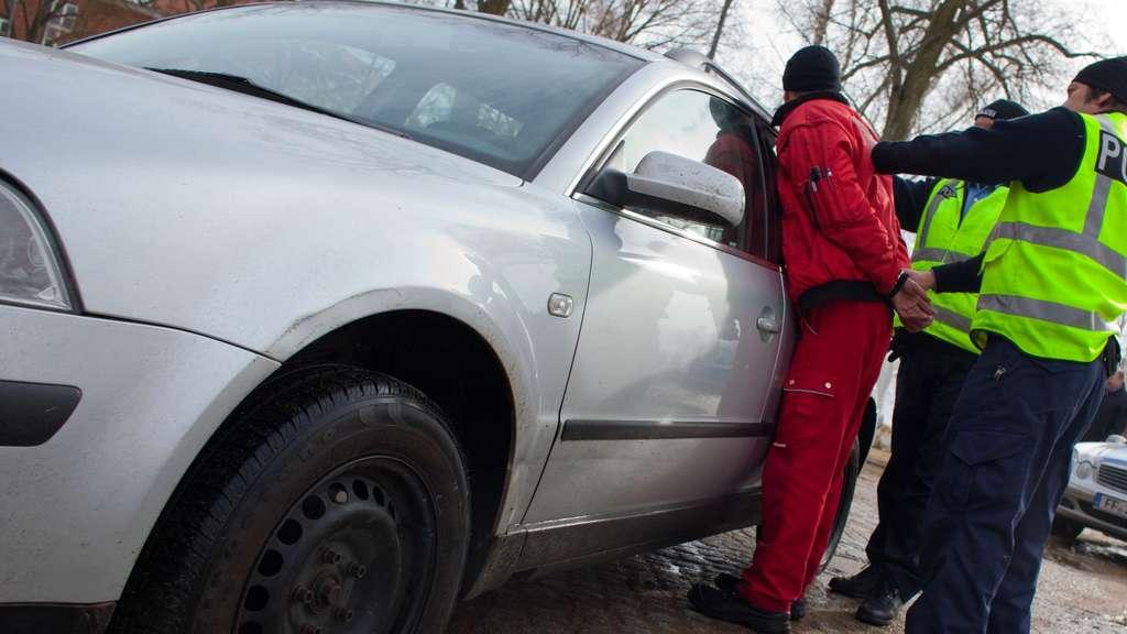 PS-starke Beute - Polizei kämpft gegen Autoschieber im Grenzgebiet ...