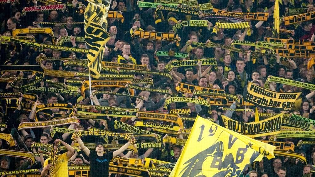 Zuschauerschnitt In Bundesliga Hochster Weltweit Fussball
