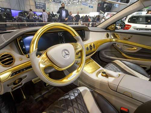 Pures Gold-Tuning! Der Bling-Bling-Benz