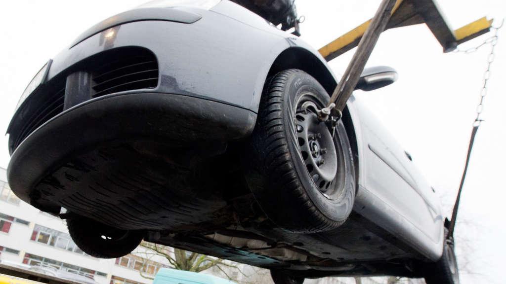 Schaden beim Abschleppen aus Parkverbot: Stadt muss laut BGH-Urteil ...