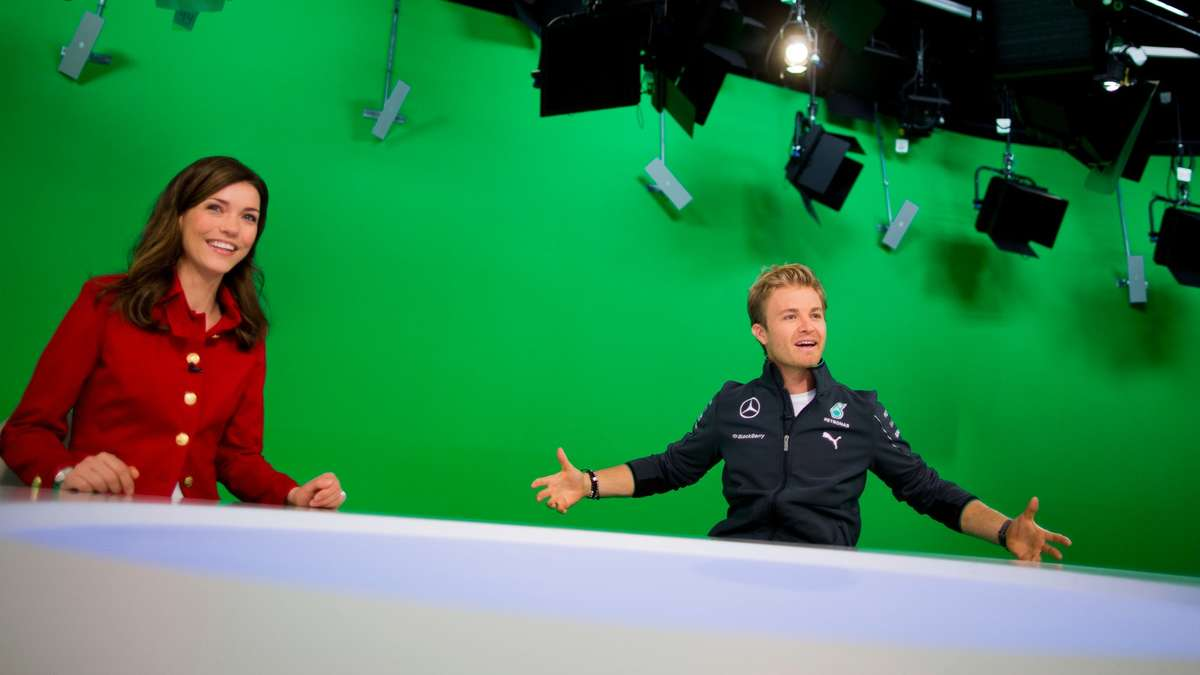 nico rosberg beweist talent als rtl nachrichtensprecher formel 1. Black Bedroom Furniture Sets. Home Design Ideas