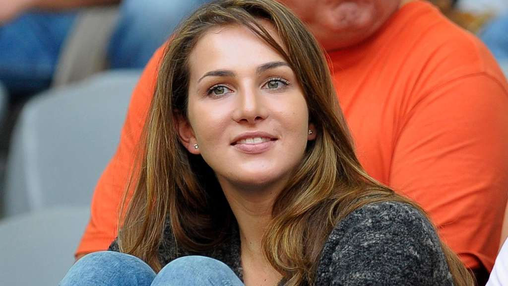 WAG Đức đổ bộ World Cup: Bạn gái Ozil nổi bật