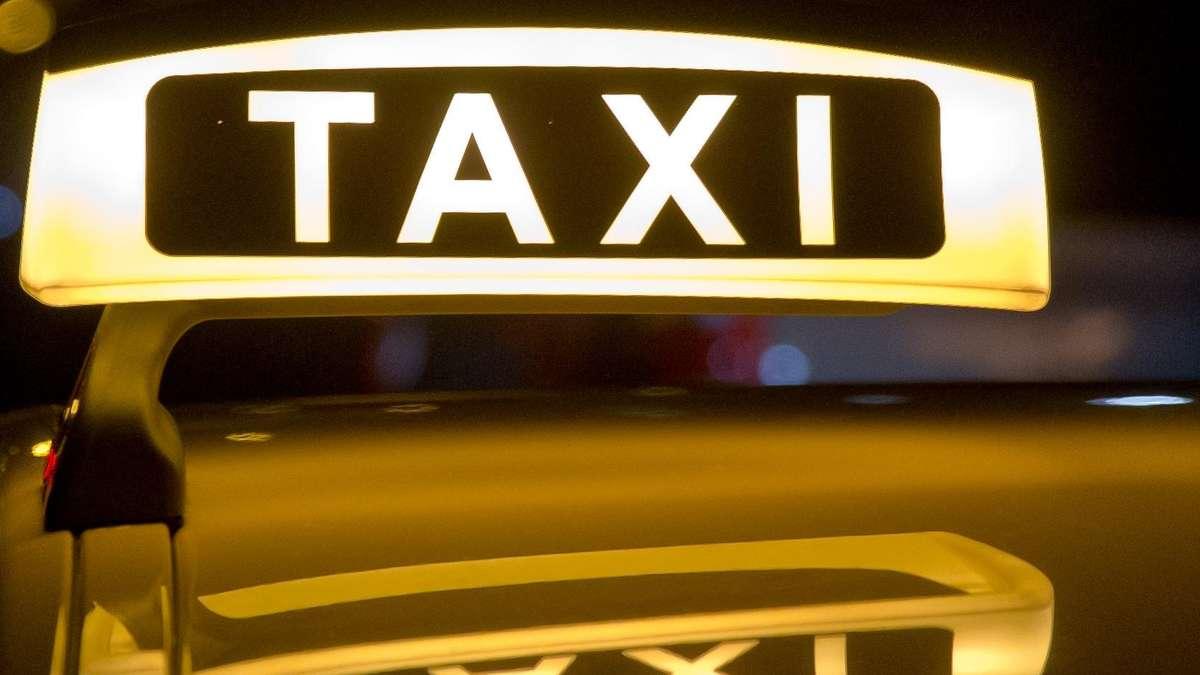 australier flieht mit taxi in den englischen garten schwabing west. Black Bedroom Furniture Sets. Home Design Ideas