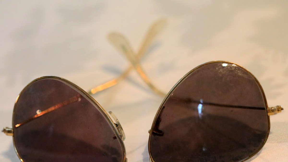 ich messer sonnenbrille in m nchen haidhausen geklaut au haidhausen. Black Bedroom Furniture Sets. Home Design Ideas