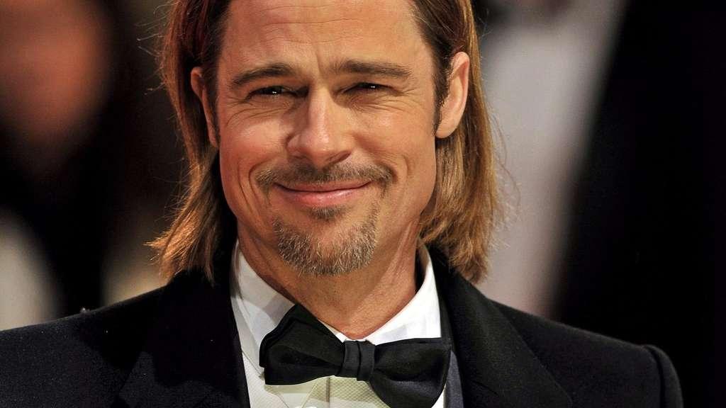 Böses Interview: Brad Pitt spuckt Galifianakis an | Stars