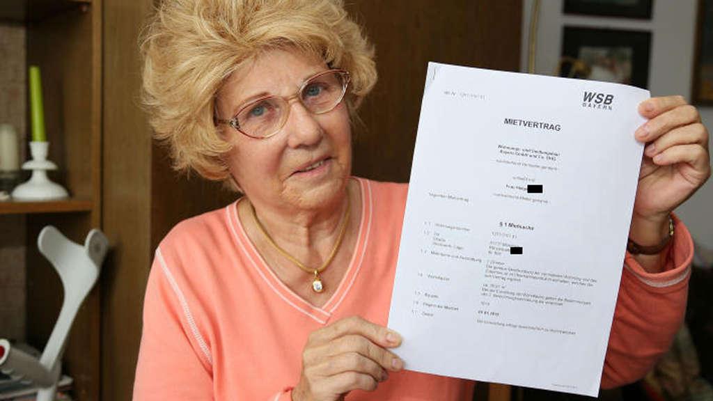 Neuer Vermieter Neuer Vertrag Seniorin Soll Unterschreiben Wohnen