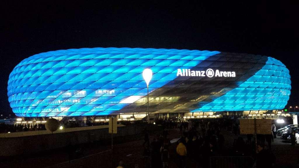 1860 gegen Freiburg: Darum leuchtete die Allianz Arena nur teilweise ...