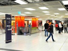 Mann (26) liegt regungslos am Boden des Hauptbahnhofs - dann schlägt er zu - tz online