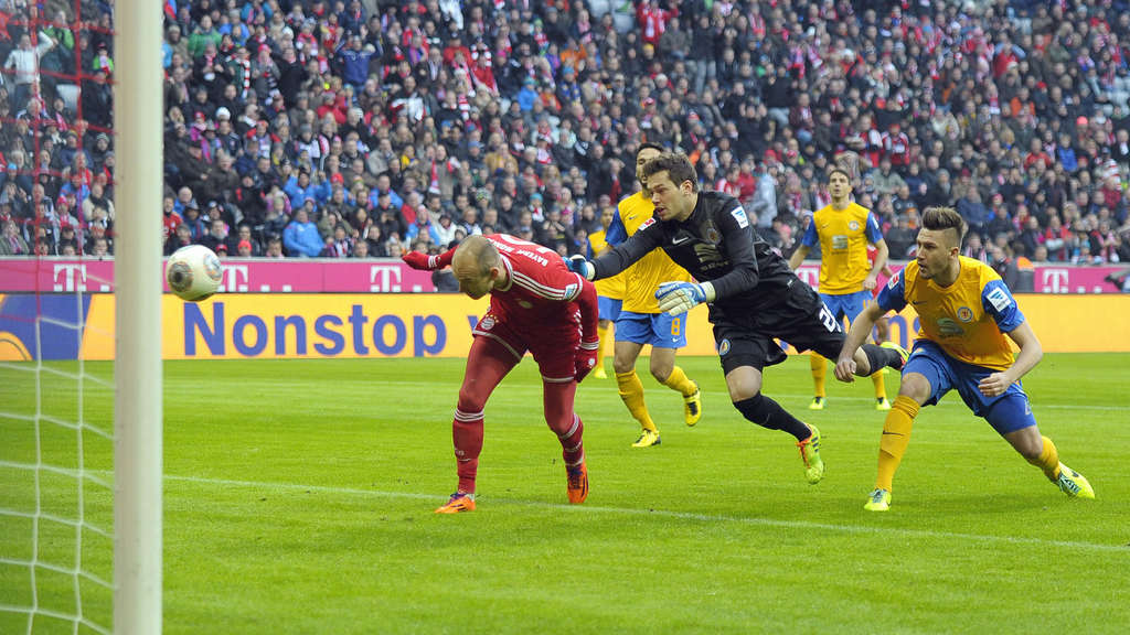 Fc Bayern Gegen Eintracht Braunschweig Dfb Pokal Jetzt Im Live