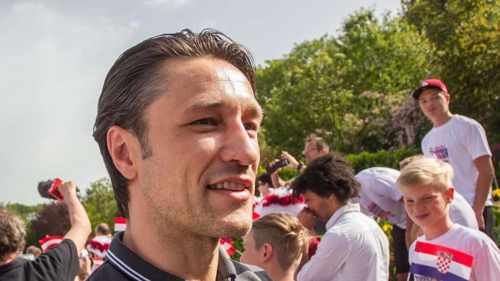 FC Bayern Niko Kovac Hooligan Attacke
