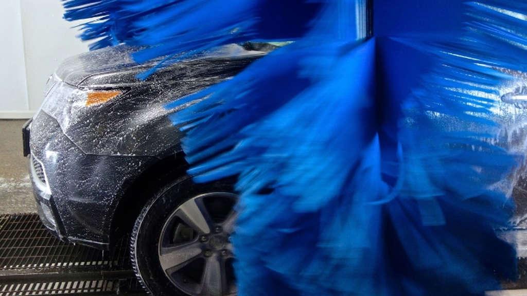 autow sche darauf kommt es in der waschstra e wirklich an tipps zur autopflege auto. Black Bedroom Furniture Sets. Home Design Ideas