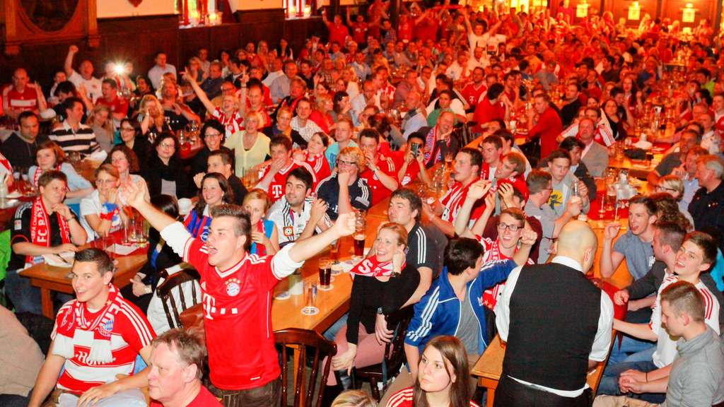 FC Barcelona FC Bayern Champions League Public Viewing