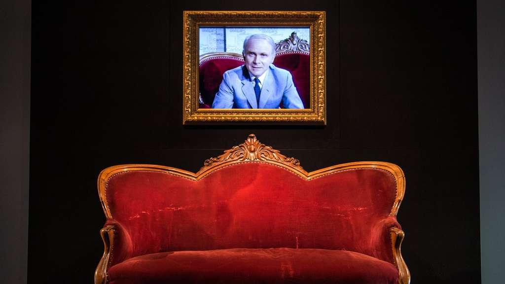 Das Loriot Sofa Ist Jetzt Geschichte Tv