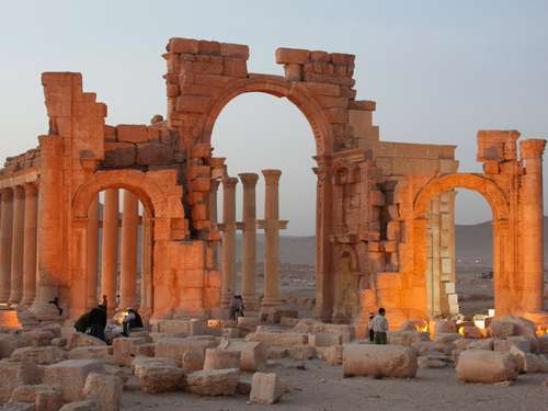 Palmyra: IS jagt Weltkulturerbe in die Luft