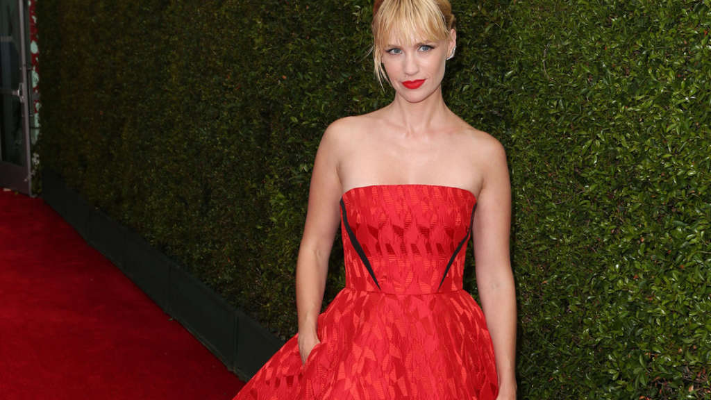 "January Jones bei der 66. ""Emmy""-Verleihung"