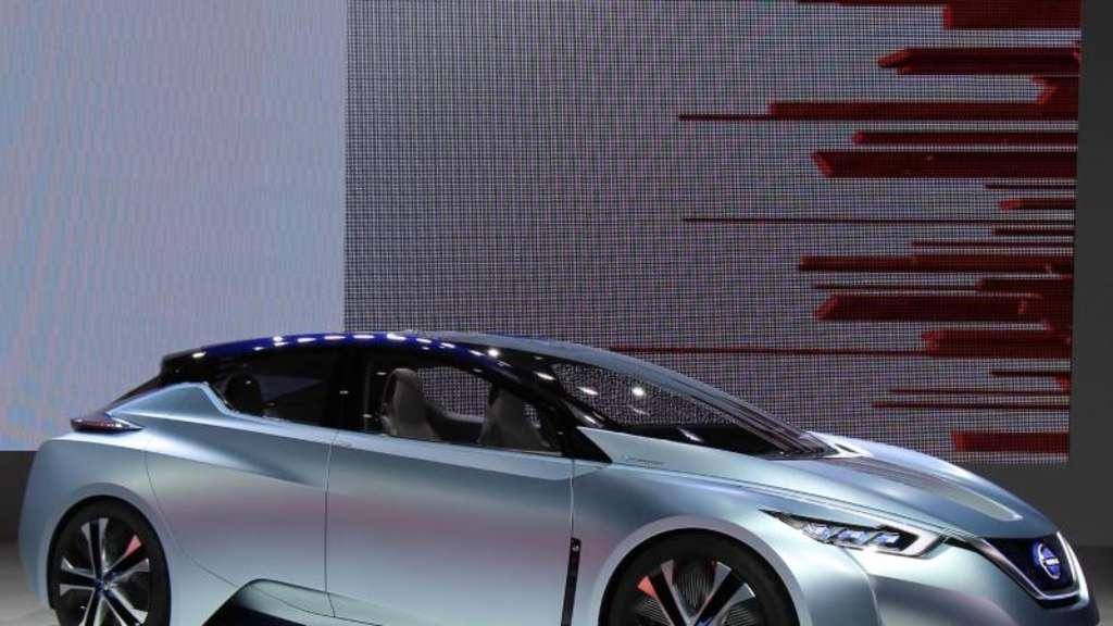 Nissan zeigt autonomes Elektroauto   Auto