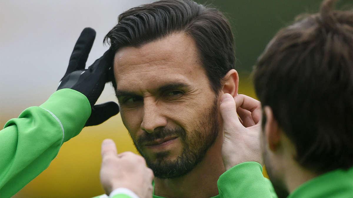 <b>Martin Stranzl</b> von Borussia Mönchengladbach kehrt ins Mannschaftstraining ... - 483579061-martin-stranzl-borussia-moenchengladbach-12uzmYoQM9ef