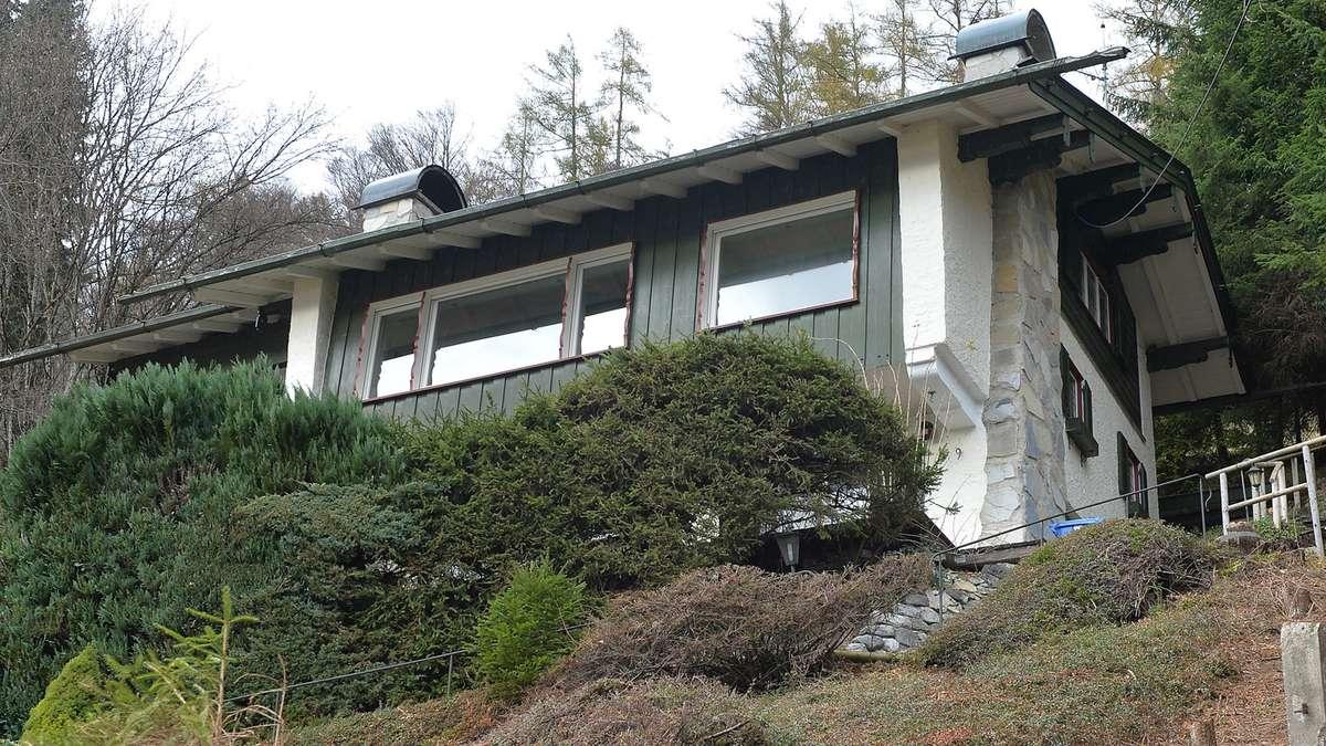 ex skistar christa kinsi kinshofer rembeck zieht s in villa am tegernsee bayern. Black Bedroom Furniture Sets. Home Design Ideas