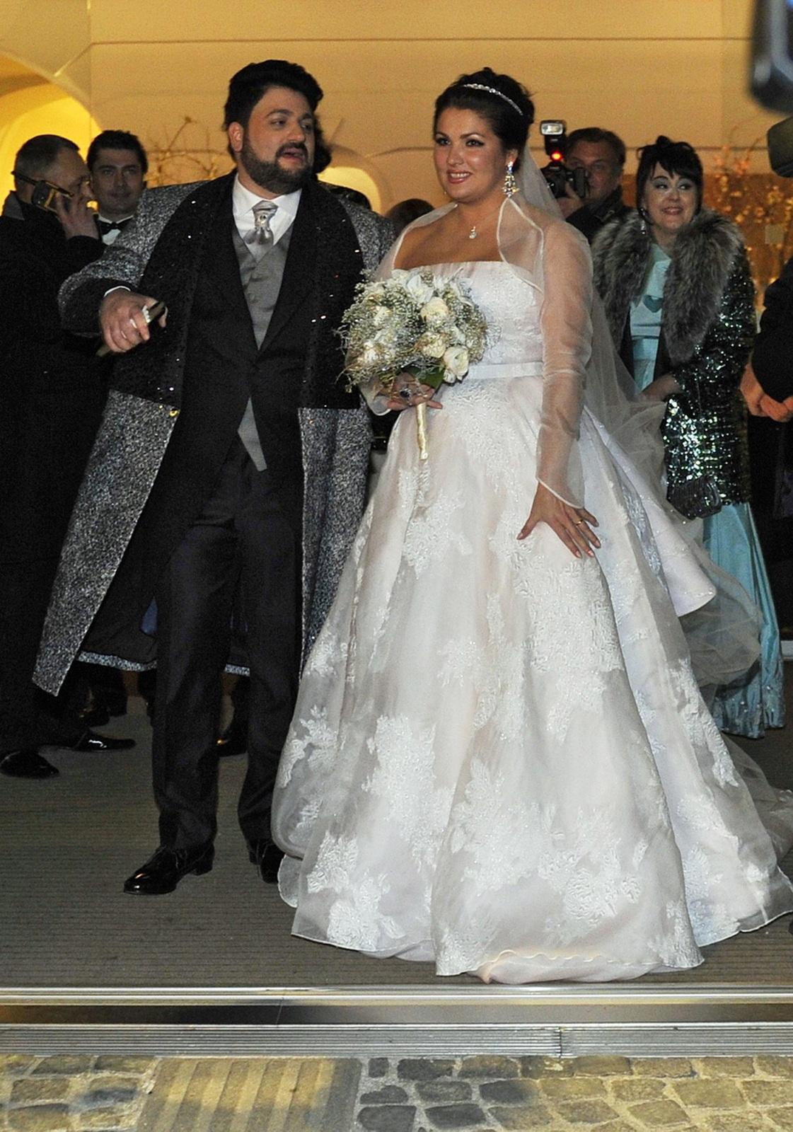 значит нетребко свадьба фото спб оплатой факту