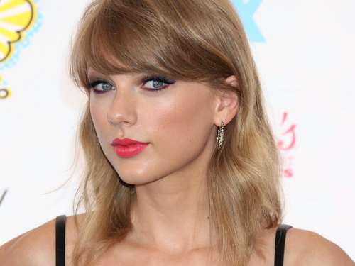 Taylor Swift räumt bei People's Choice Awards ab