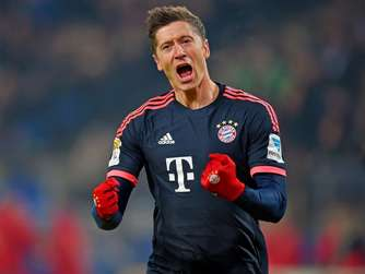 Robert Lewandowski jubelt.
