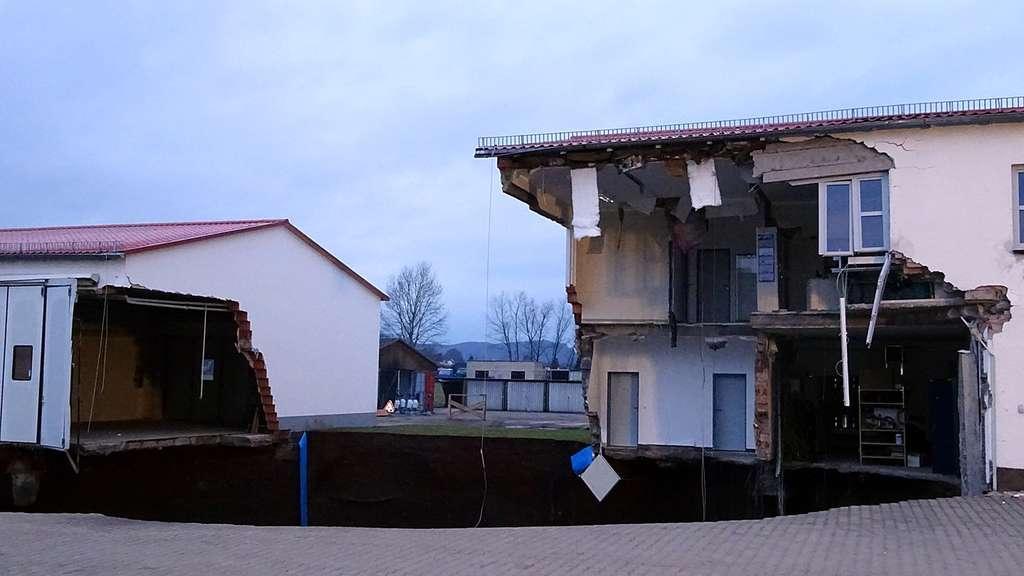 Nordhausen Erde bricht ein und reißt Haus teilweise mit