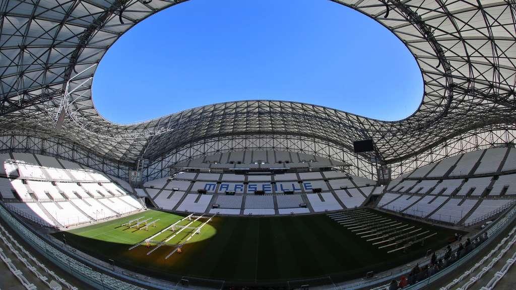 Fu ball em 2016 in frankreich stade v lodrome das em for Porte 7 stade velodrome