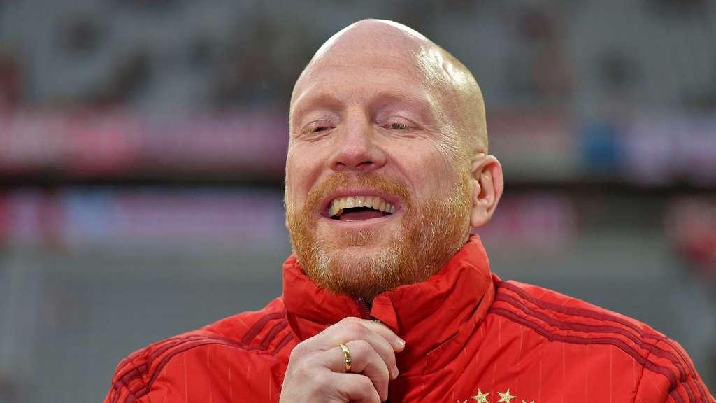 Matthias Sammer vom FC Bayern München ist genervt vom Hype