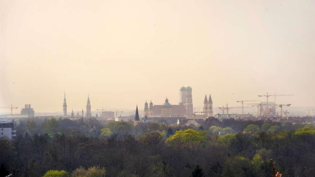 Wetter München: Saharastaub, Blutregen und Blitzsommer im ...