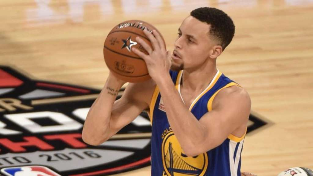 Stephen Curry führte die Golden State Warriors zum 70. Sieg. Foto: Warren Toda