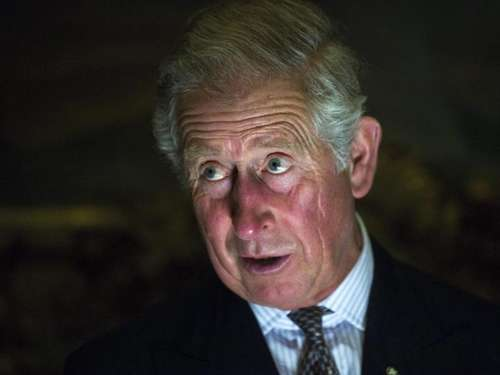 "Video: ""To be, or not to be"" - Prinz Charles gibt den Hamlet"