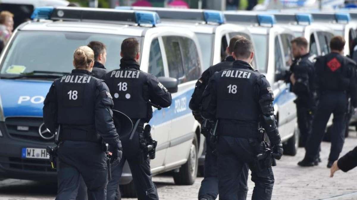 polizei pr senz vor derby darmstadt gegen frankfurt verst rkt fu ball. Black Bedroom Furniture Sets. Home Design Ideas